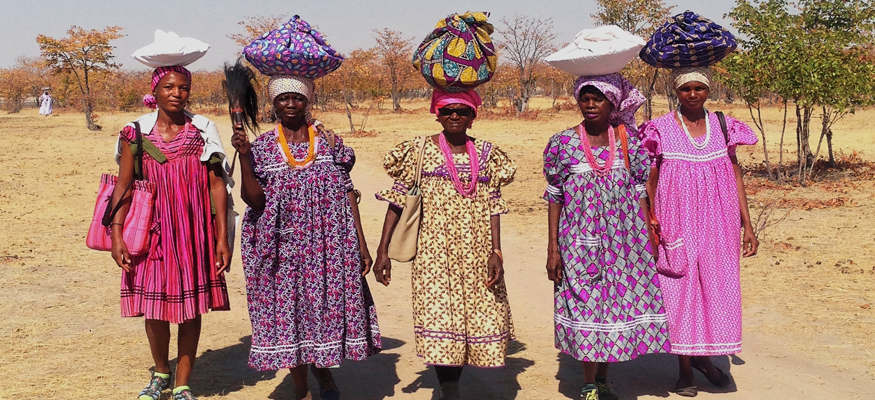 costumes-habits-traditionnels-desert-safari-namibia